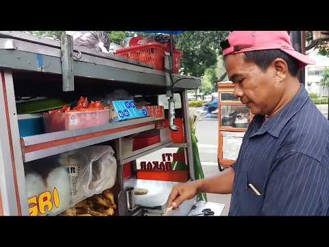 PERTAMA KALI COBAIN SANDWICH ABANG-ABANG MURAH!!! INDONESIAN STREET FOOD