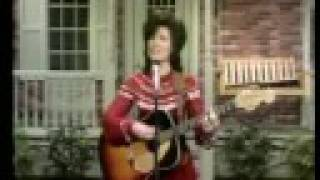 Loretta Lynn - Fist City