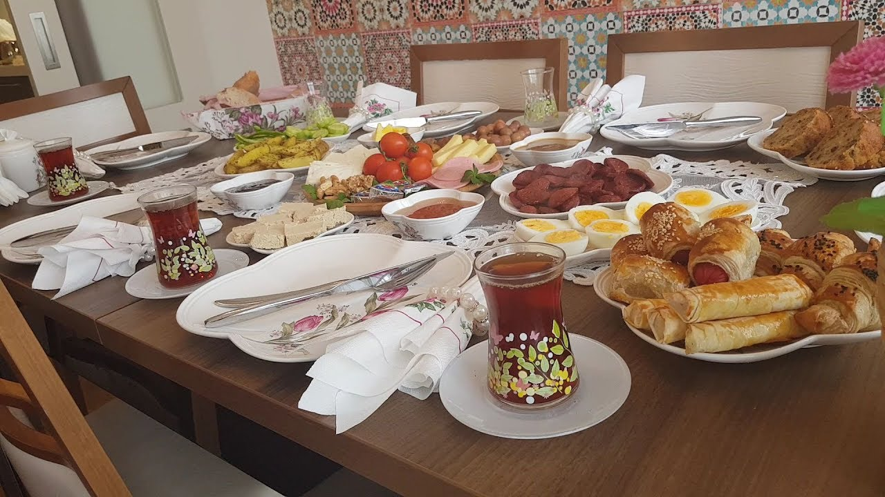 الضيوف على غفلة فطور تركي سهل وغير مكلف Youtube Breakfast Table Settings Table