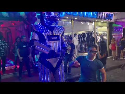 ROBOTS (Dance) Street Performers In Thailand 🇹🇭 | Spooky Effect TRAP CITY | Chemion Glasses
