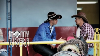 Jhonny Rivera y Francisco Gomez -Tomando Cerveza (Video Oficial) thumbnail
