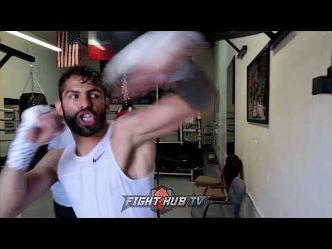 JORGE LINARES SHOWS OFF NEW TRICK ON THE SPEED BAG WHILE TRAINING FOR LOMACHENKO