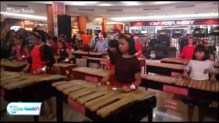 lihat aksi siswa smp ini jago main musik kolintang natal makin terasa