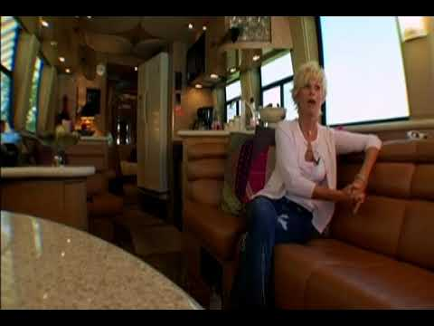 Greatest Tour Buses -  LORRIE MORGAN (2004)