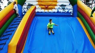Рома на Аттракционах в парке развлечений для детей Children's Playground(, 2016-08-17T05:47:21.000Z)