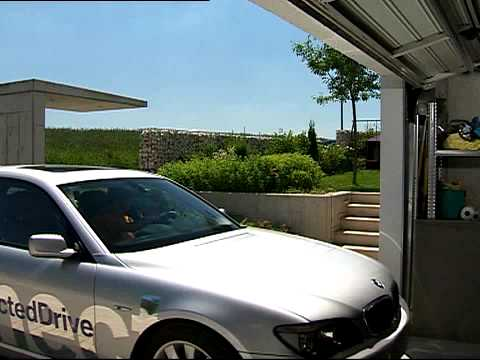 Bmw connected drive automatic garage parking youtube for Garage bmw 33