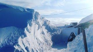 Жители Камчатки утопают в снегу и не могут выбраться из своих домов