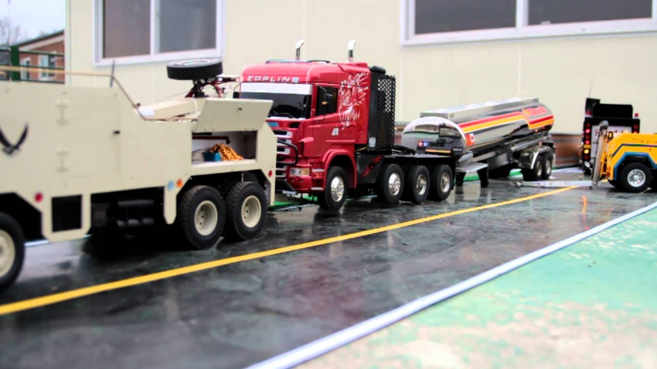 Realistic rc experience recovery truck movie 8x4 scania wrecker 8x8globeliner wrecker youtube