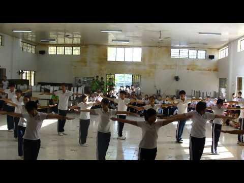 Đồng diễn thể dục-LTV 12Sinh-2009