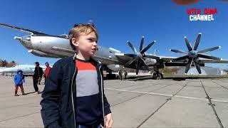 Музей авиации в Киеве Смотрим на самолеты и вертолеты The State Aviation Museum