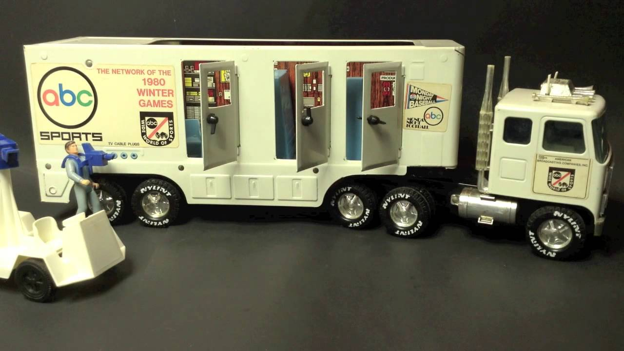 18 Toy Trucks : Abc sports big rig wheeler broadcasting toy semi