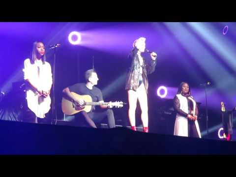 Jessie J Who you are in HMH whole song with all her inspiring words