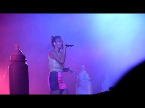 HD - Lily Allen - Our Time (live) @ Frequency 2014