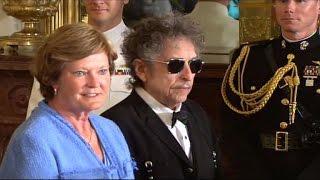 בוב דילן יקבל רשמי את הפרס נובל