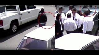 Corruptos del PGR siembran pistola a abogado... (video)