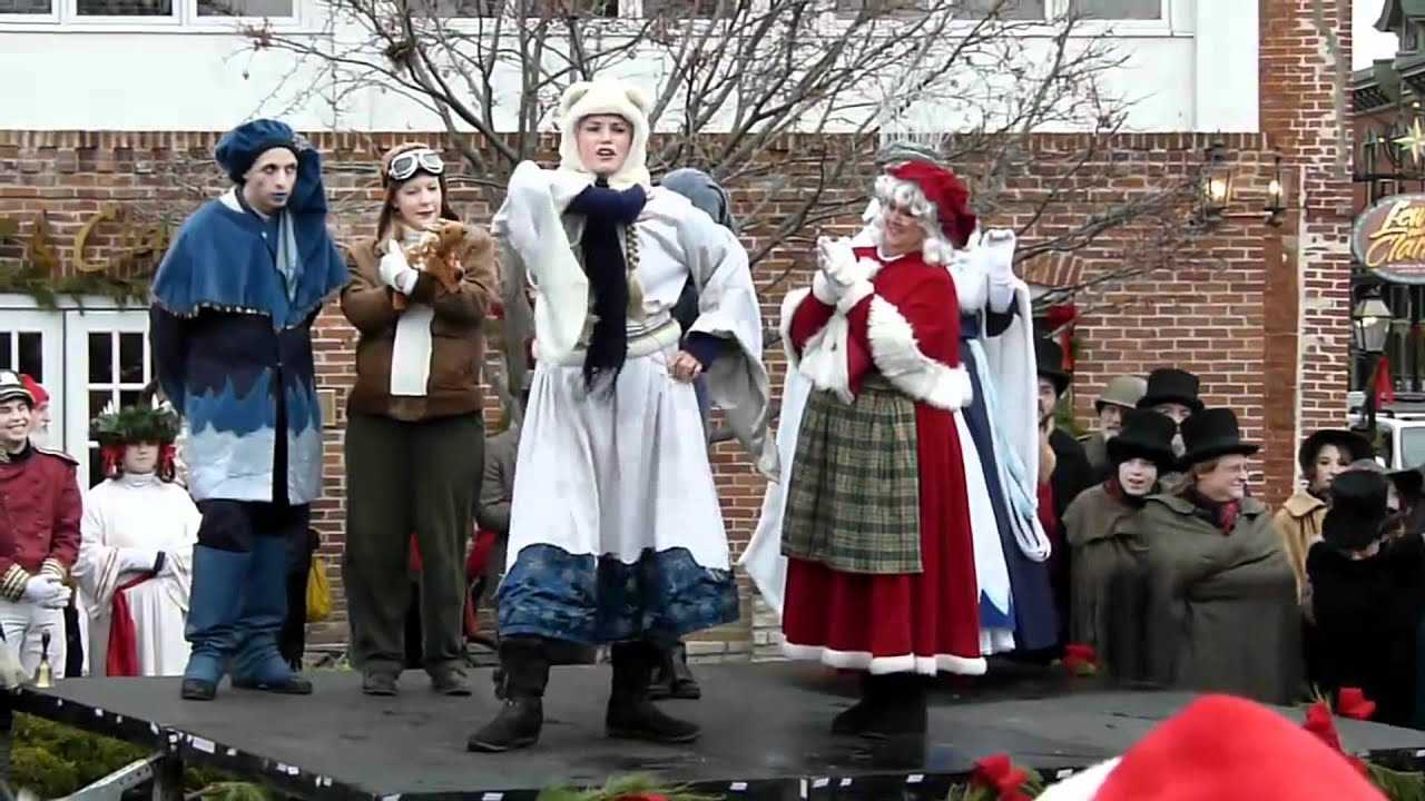 St. Charles Christmas Traditions - YouTube
