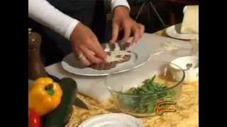Видео рецепт  Говядина с рукколой и пармезаном