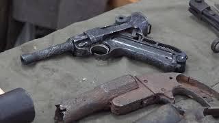 Выставка найденного оружия и личных вещей найденных на раскопках