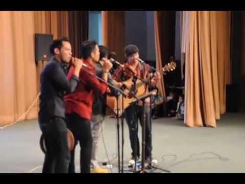 Lagu Konsert Amal 'One Moment For Them'
