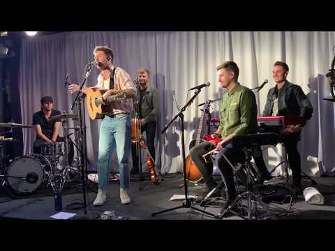 Niall Horan - YouTube Space - Performing Nice To Meet Ya For The First Time