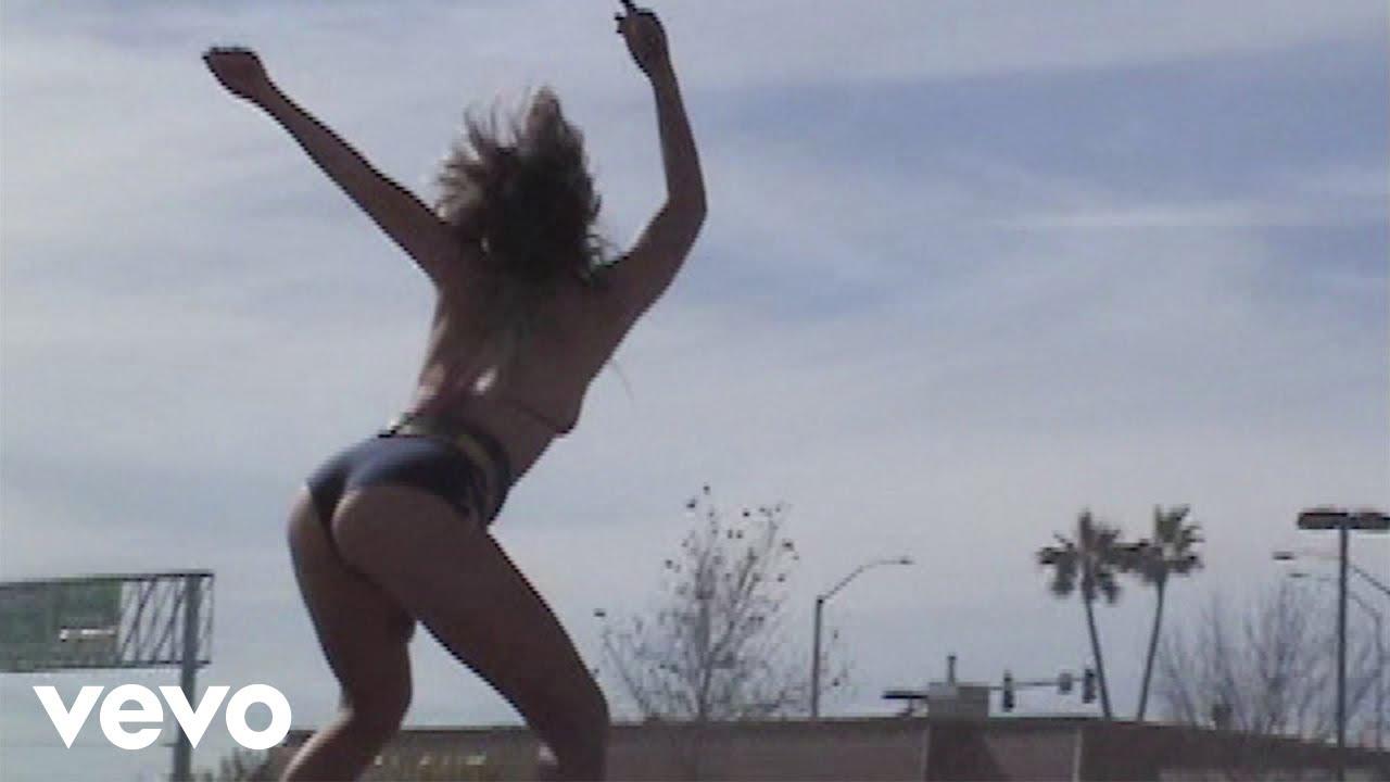 Girls Bikini Gone Naked