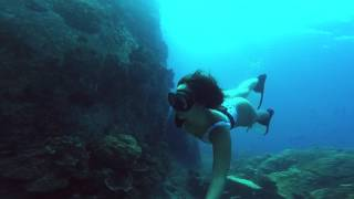 Video Freediving 30m Underwater with Emma Ceolin 💦 Koh Tao Thailand download MP3, 3GP, MP4, WEBM, AVI, FLV Mei 2018
