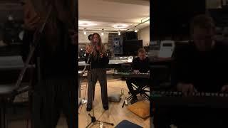 Nyusha / Нюша - Beautiful, cover Christina Aguilera (Live, акустический концерт в Instagram)
