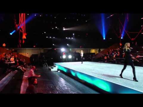 Видео, 2013 Victorias Secret Fashion Show  Lights, Camera, Angels