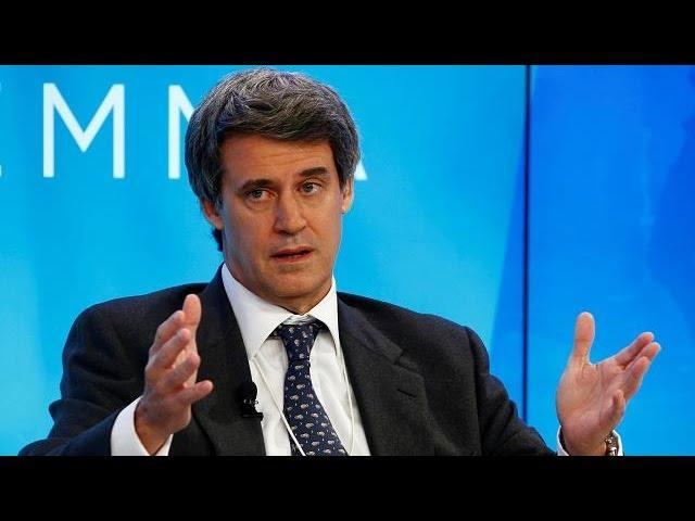 Аргентина сменит министра финансов на двух новых