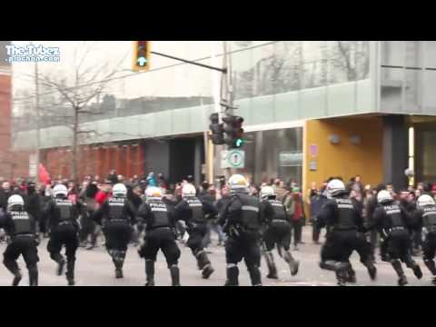 Montreal Riot Cops Don't Mess Around