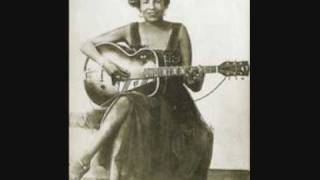Memphis Minnie - Hoodoo Lady Blues