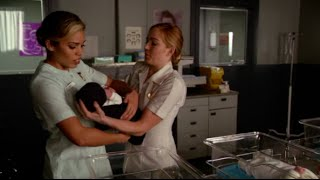 Legends Of Tomorrow 1x12 Sara and Kendra steal baby Snart