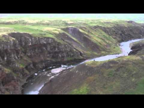 Miðfjarðará, flying down the Austurá canyon