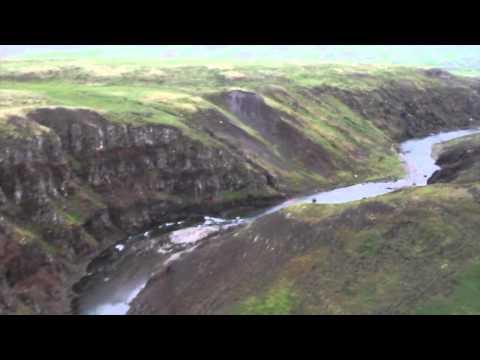 Miðfjarðará, flying down the Austurá canyon