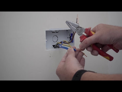 How to Wire a Socket on a Ring Main (2 wires), Part 1 Plastic Back Box