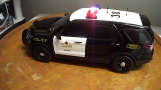 O.O.P. Ontario Provincial Police OPP PI SUV 1/18 scale Diecast Emergency Lights and Siren