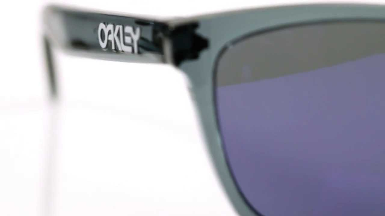 5b54f985976 Product Review  Oakley Frogskins Sunglasses - YouTube