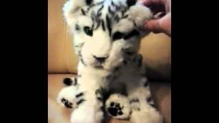 Tygrys warcząca maskotka