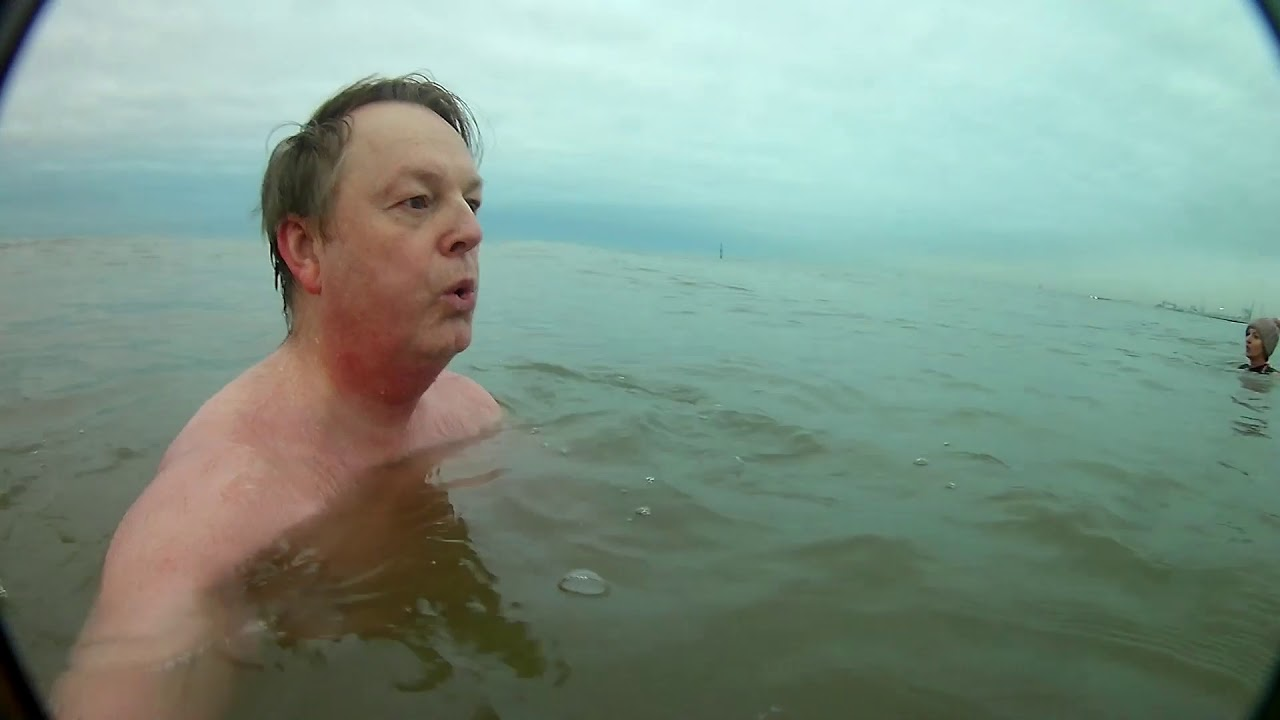 Cold Water Swimming, Doing something different during Lockdown