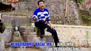 Download lagu Mata Air Cinta (Meggi Z)