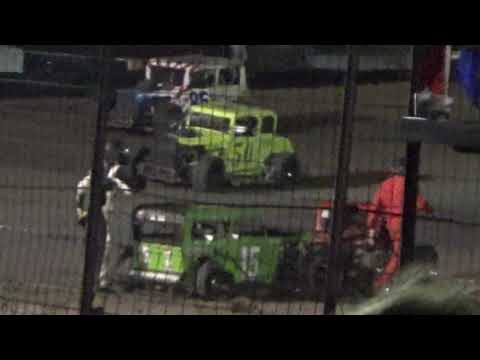 Dwarf Car FIGHT at I 37 Speedway!!!!