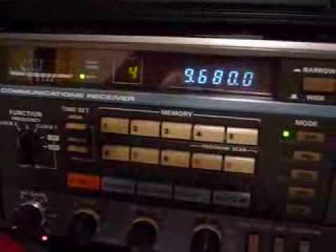TECSUN PL-660 vs KENWOOD R-2000 (RADIO THAILAND 9680KHz)