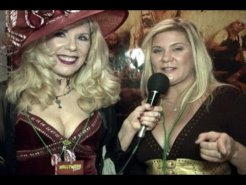 Ginger Lynn chats with Dr Susan Block at the Hollywood Show