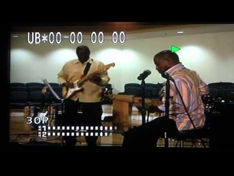 Jonathan Dubose Jr and Joel E Smith warm up from 1984... 30 years later