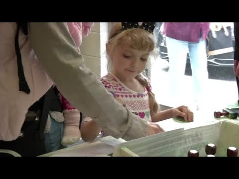 VIDEO: Stamping at the Bethlehem post office is an 80 year tradition