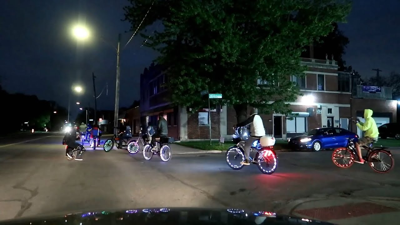 DETROIT'S LIGHTED BIKES AT NIGHT AND HOW THEY WORK