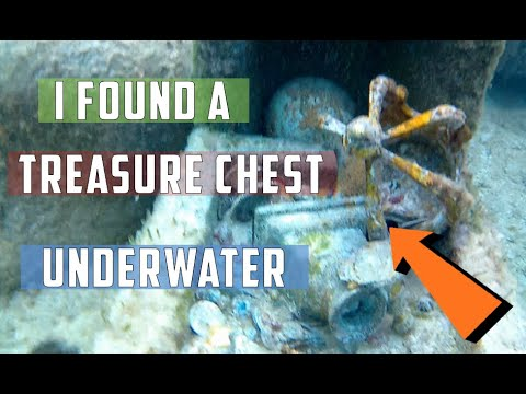 finding a treasure chest snorkeling in the bahamas youtube
