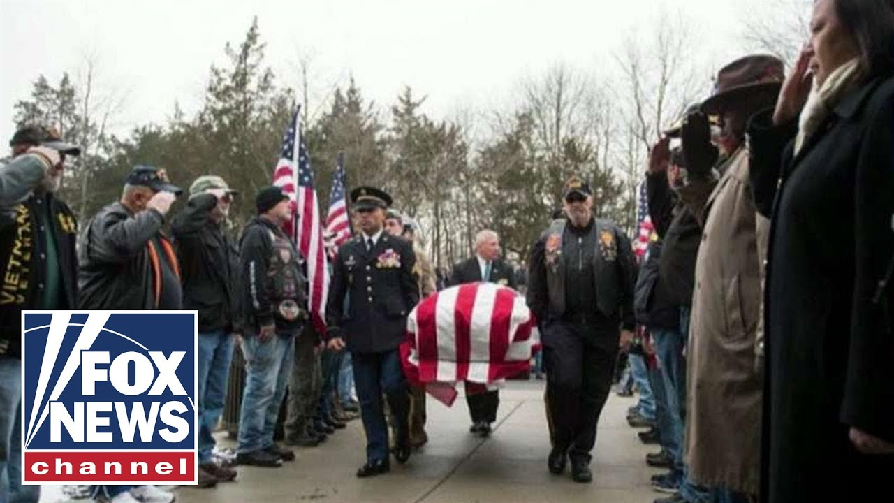 Funeral for Vietnam War veteran, who died alone, draws hundreds of mourners