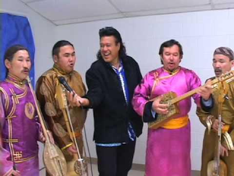 Branscombe Richmond with Huun Huur Tu, Tuvan Throat singers