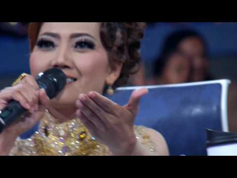 ROSALINA MUSA REPEATING LYRICS #DANGDUTASIA2 23112016[FULL HD]